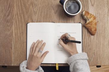 ecrire-aufeminin-ecrivain-writer-livre-auteur-bureau-desk-poussette-and-the-city