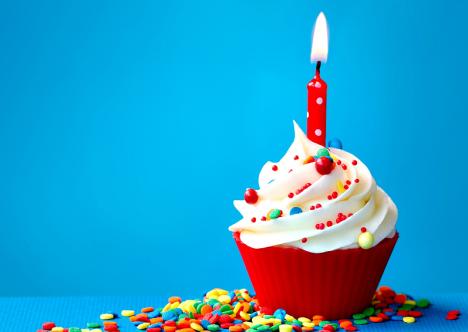 anniversaire-cupcake-bougie-unan-gateau-poussette-and-the-city